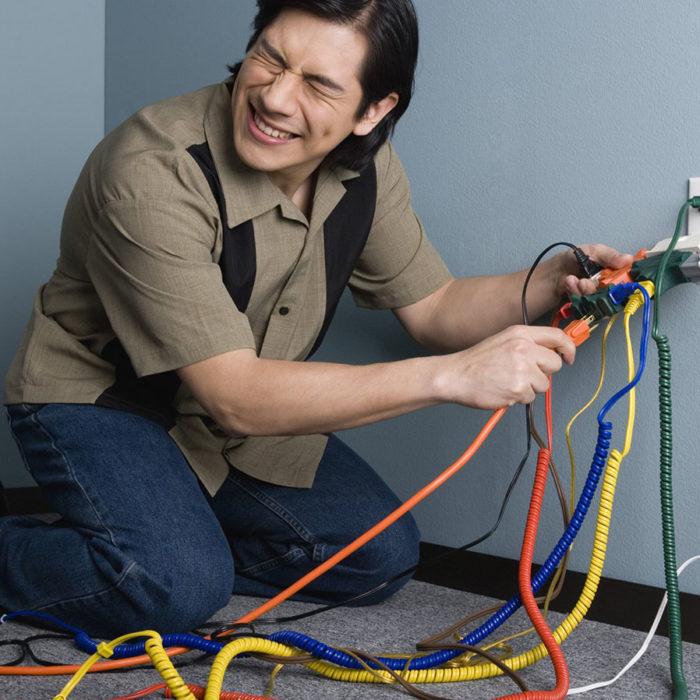 Монтаж проводки в офисе